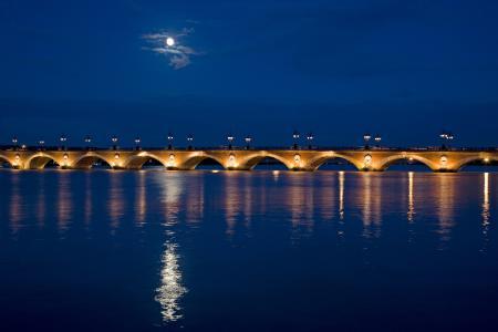 Pont de Pierre bridge over Garonne river